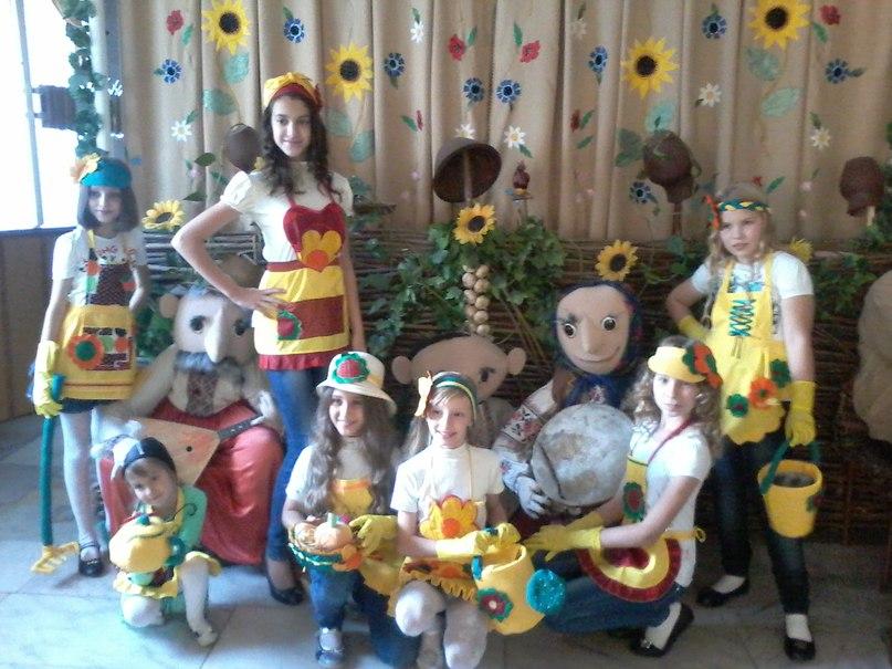 """Вінничани вдало виступили на дитячо-молодіжному фестивалі мистецтв """"Планета зірок"""" у Хмельницькому"""