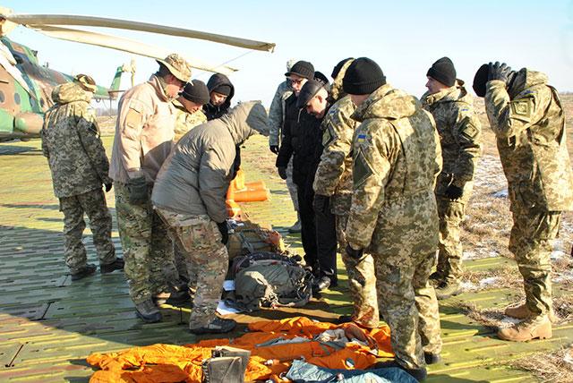 Вінницькі льотчики продемонстрували американським військовим свою роботу при надзвичайних ситуаціях