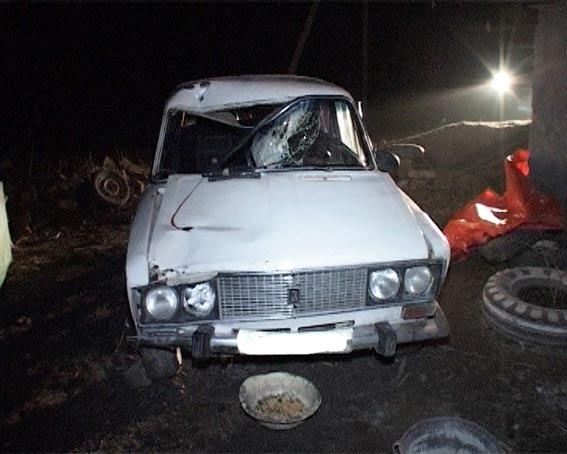 В Ямполі п'яний водій насмерть збив двох людей та втік з міцся аварії