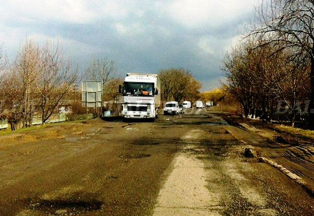 ДАІшники вже знайшли на Вінниччині дві небезпечні дороги. Інспекція доріг триває