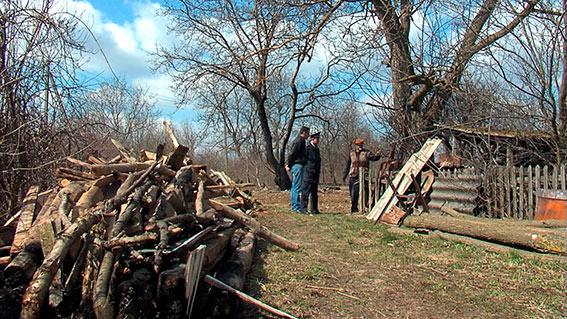 На Вінниччині дільничний разом з сільським головою врятували під час пожежі 79-річного дідуся