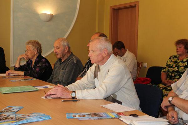представники громадських об'єднань які захищають права ветеранів великої вітчизняної війни, чорнобильців, афганців, дітей війни