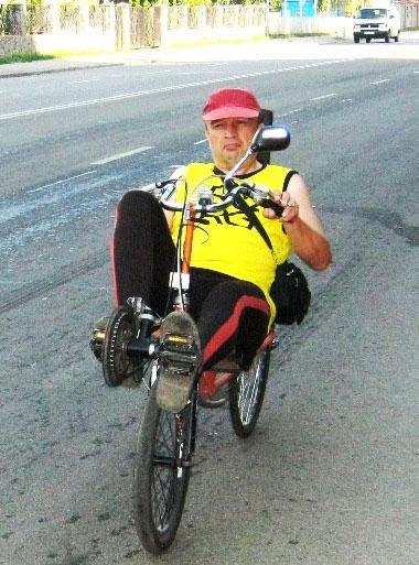 Василь Панич на власному велосипеді