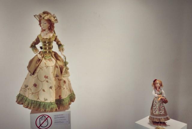 Найбільша і найменша ляльки в колекції