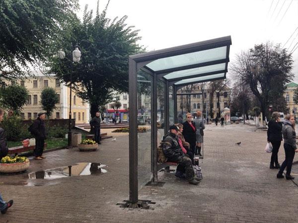 зупинка по вулиці Театральній у Вінниці