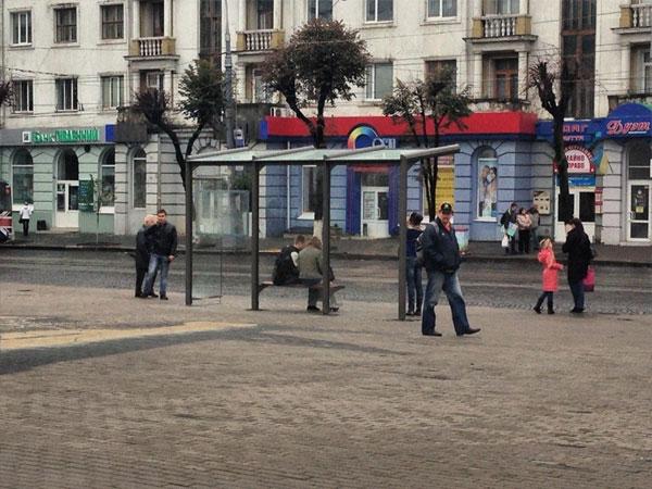 зупинка по вулиці Соборній у Вінниці