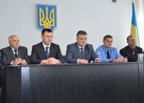 Віктор Русин представив особовому складу Теплицькому районного відділу міліції нового керівника Віктора Піруса