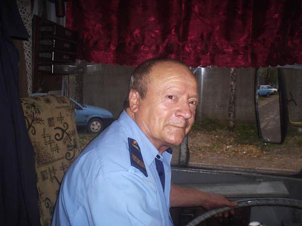 Павел Яковчук 42 года за баранкой троллейбуса