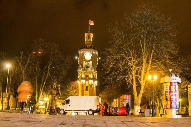 У Вінниці на Європейській площі розібрали мобільну бібліотеку