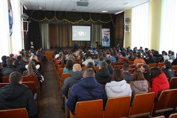 Студентська молодь Вінниці вивчала Правила безпечної подорожі