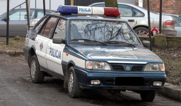 Польська поліція - автомобіль «Полонез»