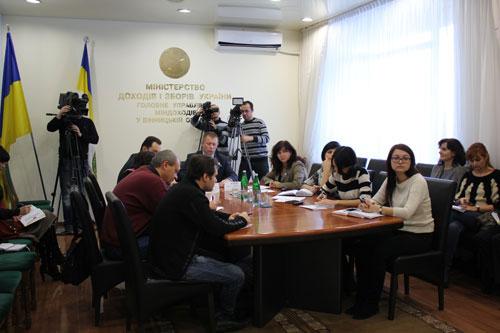 На питання Вінницьких журналістів відповів Міністр доходів і зборів