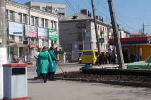 Вінниця. Місто продовжують чепурити до Великодня