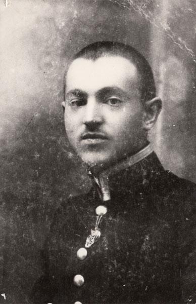 Юний Валентин Отамановський