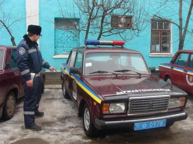 На Вінниччині, щоб спіймати викрадача таксі, ДАІшникам довелось застосувати зброю