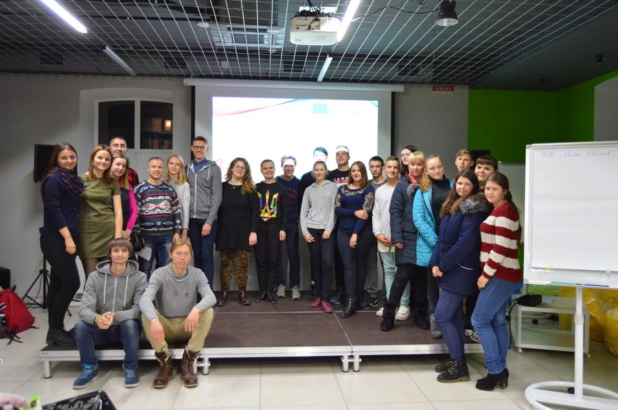 Вінницькій молоді розповідали про безкоштовне життя у Європі