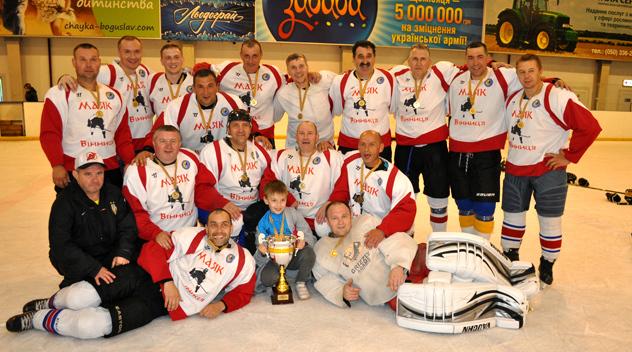 Вінницькі хокеїсти виграли чемпіонат України