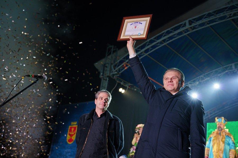 У Вінниці зафіксовано ще один національний рекорд - до Книги рекордів України потрапила Головна ялинка міста